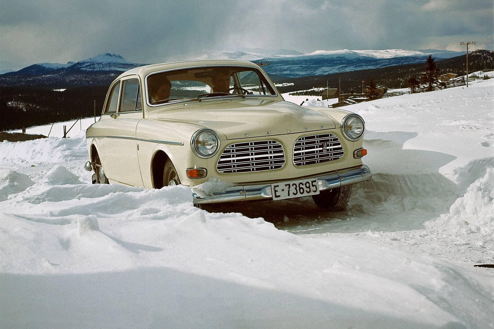 Volvo 121 Amazon nieve