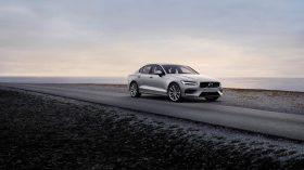 New Volvo S60 Momentum