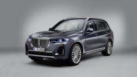 BMW X7 Estudio 02