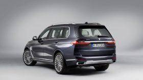 BMW X7 Estudio 03