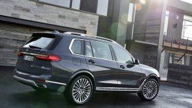 BMW X7 Exterior 06