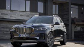 BMW X7 Exterior 08