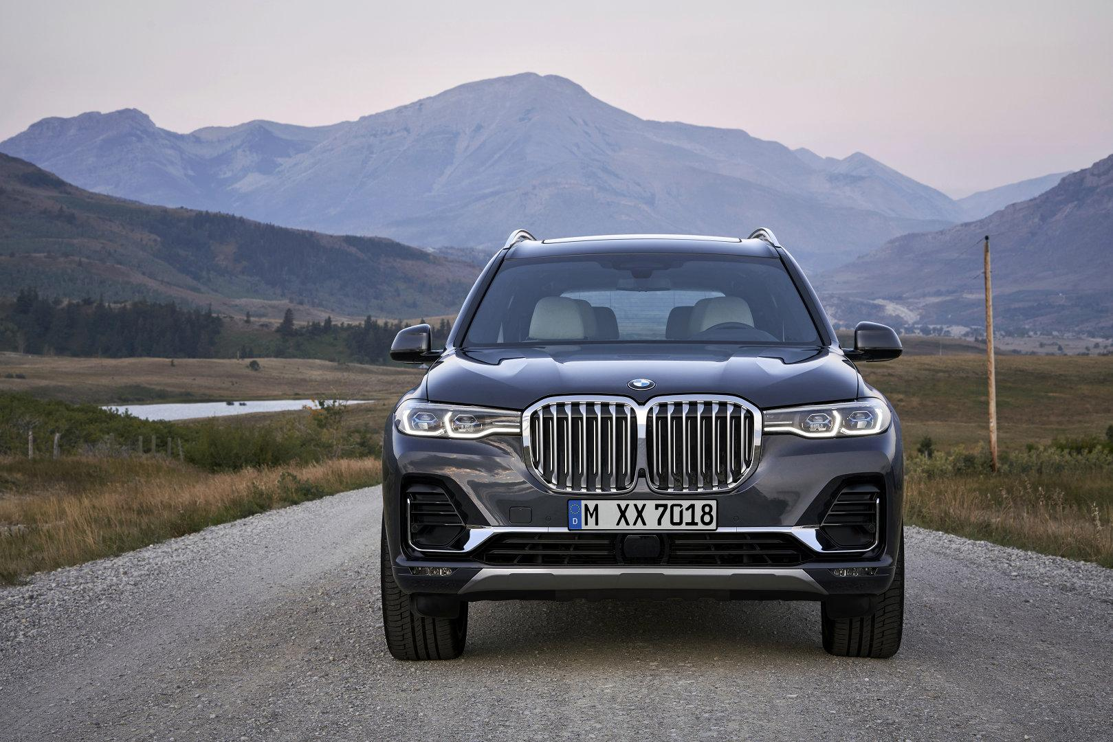 BMW X7 Exterior 13