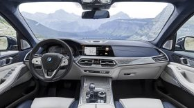 BMW X7 Interior 01