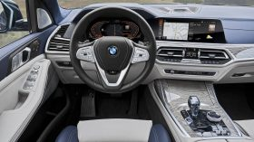 BMW X7 Interior 02