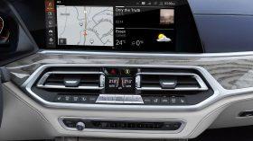 BMW X7 Interior 03