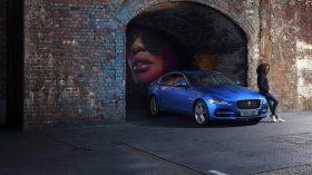 Jaguar XE 2019 18