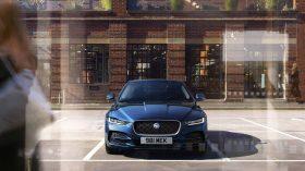 Jaguar XE 2019 26