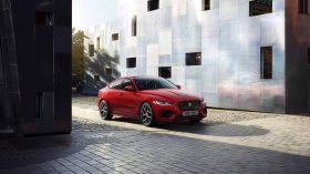 Jaguar XE 2019 28