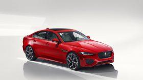 Jaguar XE 2019 3