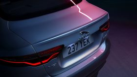 Jaguar XE 2019 32