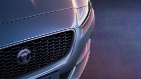 Jaguar XE 2019 33