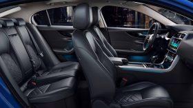 Jaguar XE 2019 34