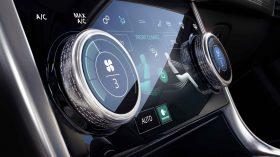 Jaguar XE 2019 36