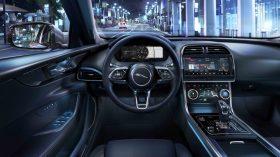 Jaguar XE 2019 37