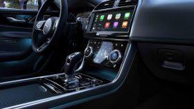 Jaguar XE 2019 39