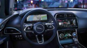 Jaguar XE 2019 40