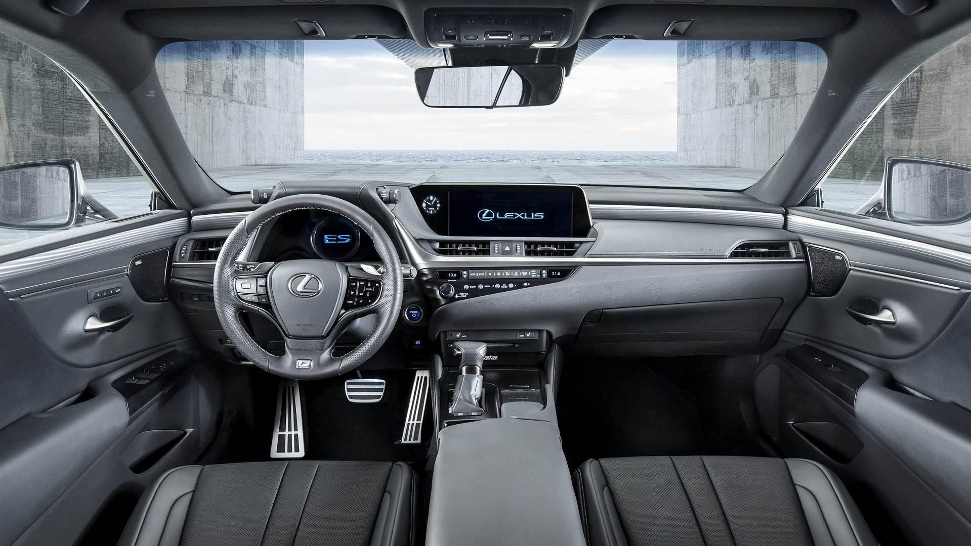 Lexus ES Fsport 11