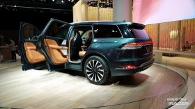 Lincoln Aviator 9