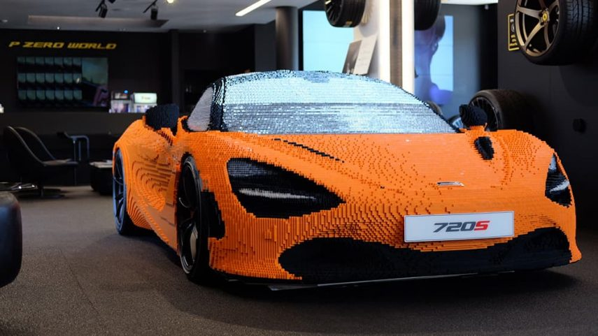 Lego lo vuelve a hacer: un McLaren 720S a escala real