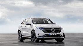 Mercedes EQC 19