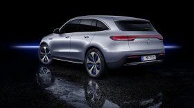 Mercedes EQC 4