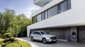 Mercedes EQC 8