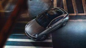 Porsche Cayenne Coupe Turbo 10
