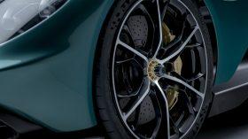 Aston Martin Valhalla (12)