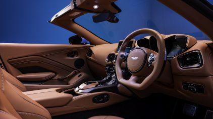 aston martin vantage roadster 2020 (12)