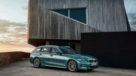 BMW 3 Touring 2019 Luxury Line 03