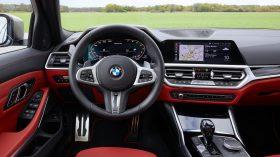BMW M340i xDrive Touring 2019 32