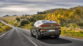 BMW X6 exteriores 16