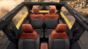 Bronco 2dr Interior 02