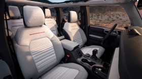 Bronco 4dr Interior 02