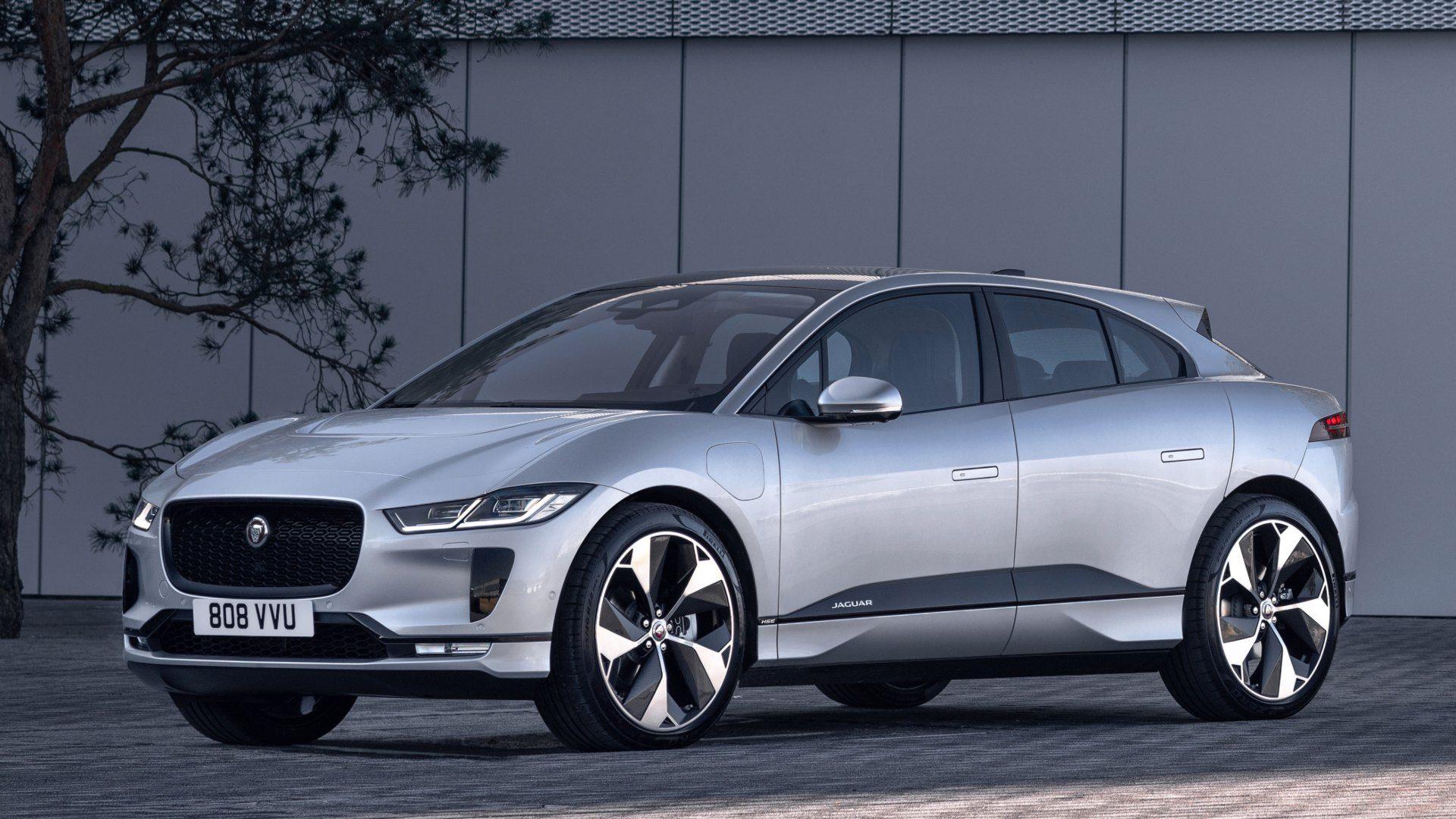 El Jaguar i-Pace actualiza su equipamiento y el sistema de carga de las baterías