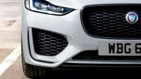 Jaguar XE 2020 01