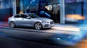 Jaguar XE 2020 09