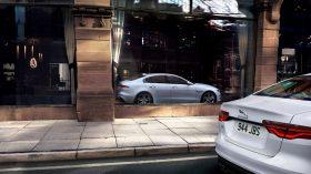 Jaguar XE 2020 11