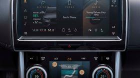 Jaguar XE 2020 16