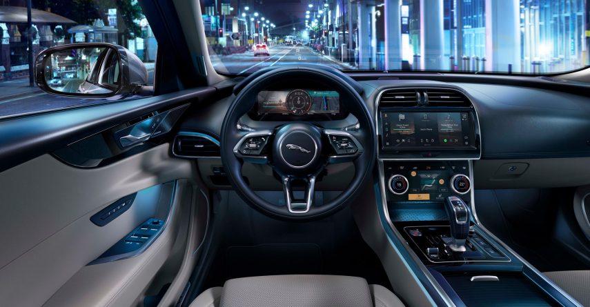 Jaguar XE 2020 18