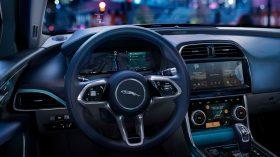 Jaguar XE 2020 20