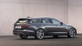 jaguar xf 2021 (16)