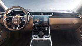 jaguar xf 2021 (24)