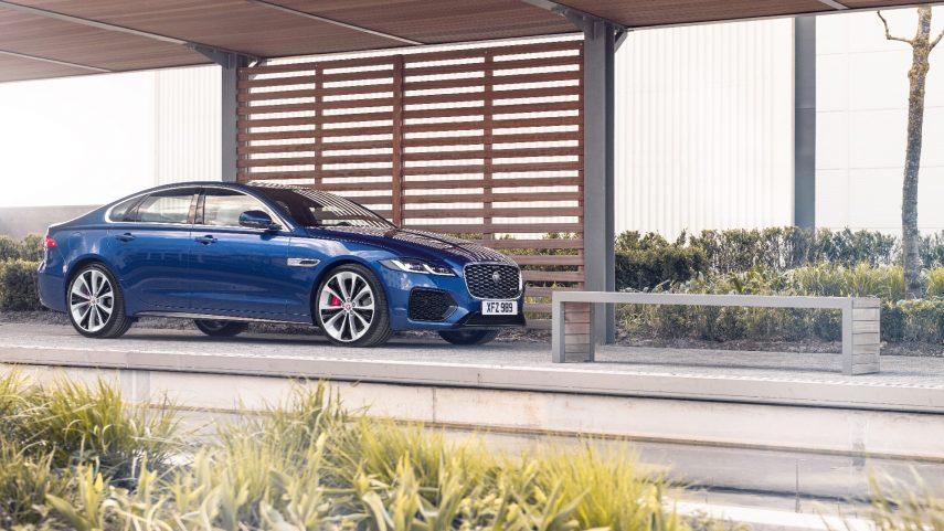 El Jaguar XF se somete a un restyling