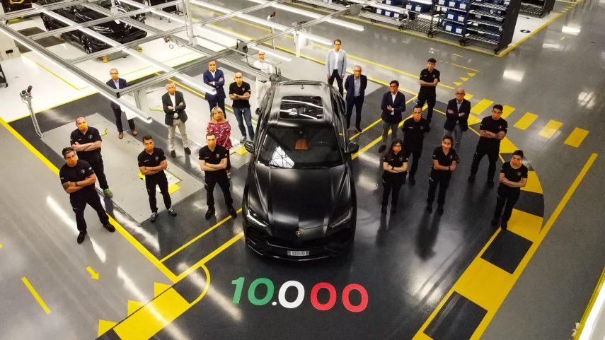 Lamborghini Urus 10000 1