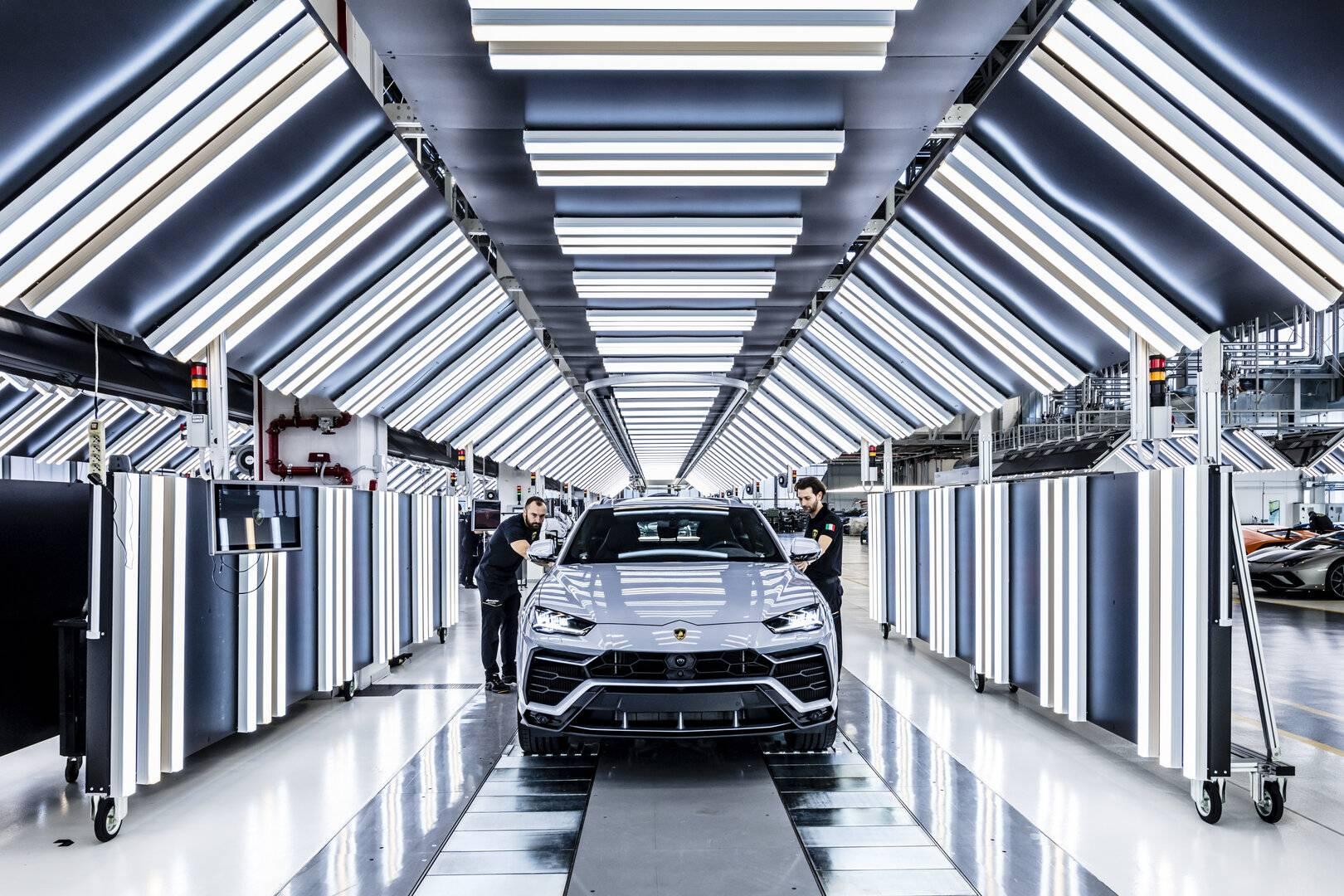 ¿Cómo se fabrica un automóvil de serie limitada? (X)