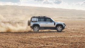 land rover defender 2020 (2)