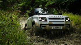 land rover defender mild hybrid (8)