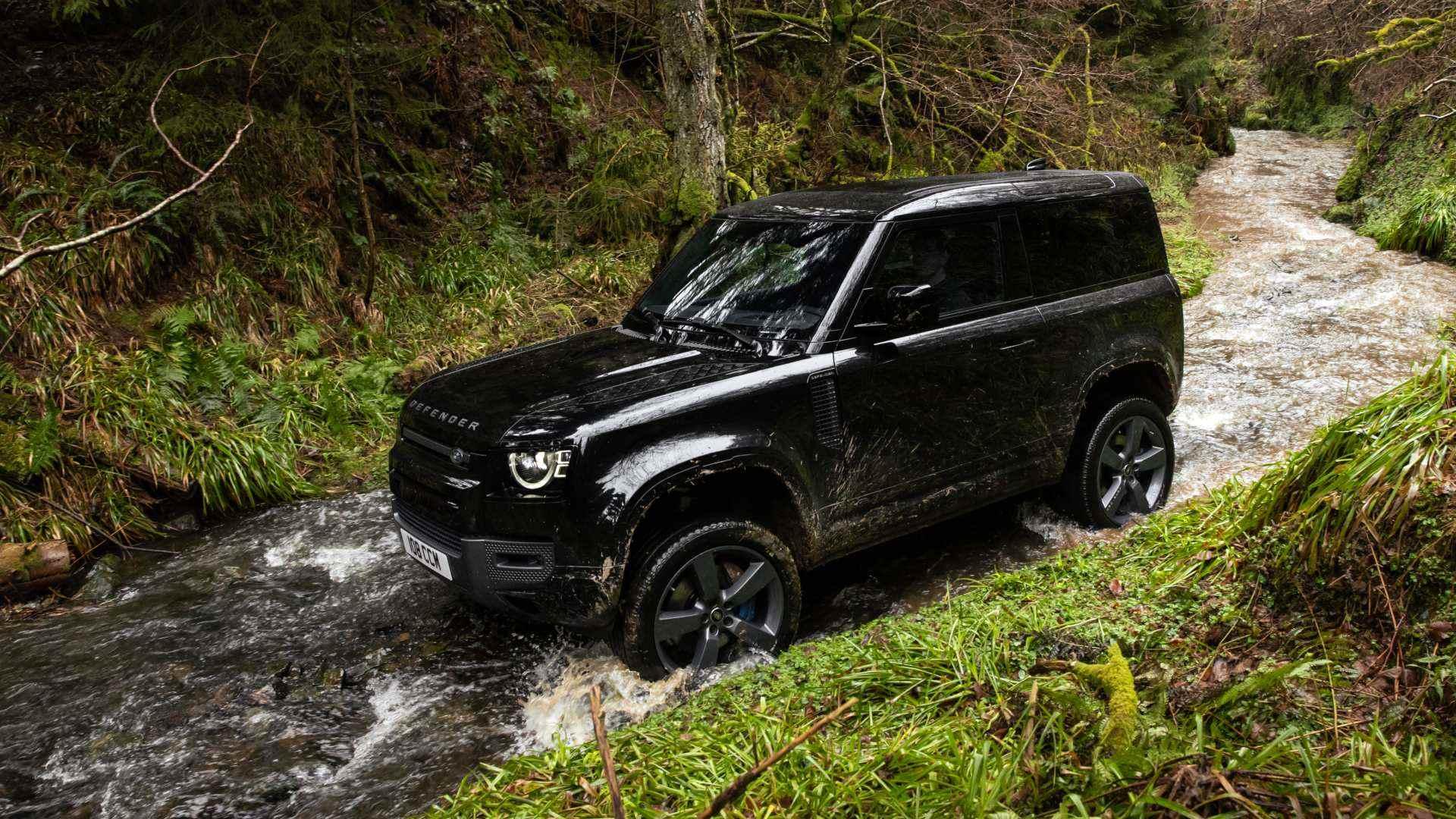 El Land Rover Defender estrena versión con motor V8 sobrealimentado y más de 500 CV